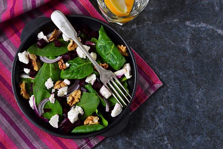 Ensalada de espinacas y remolacha