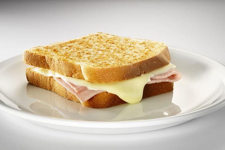 Bikini - sandwich de jamón dulce y queso